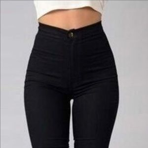 NWOT 🌺🌺🌺 High waisted skinny pencil Jeans